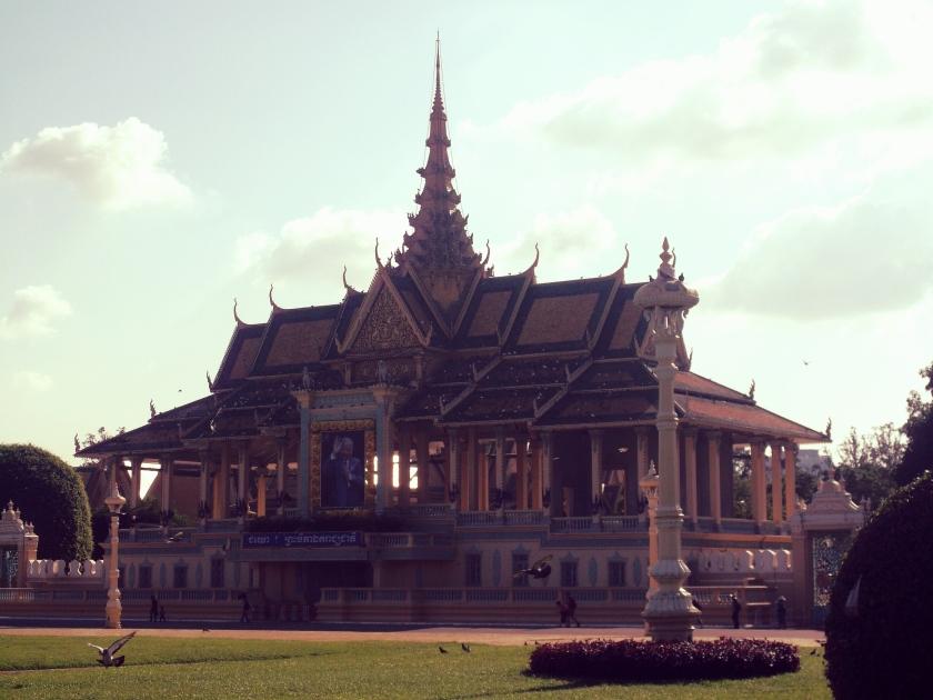 Phnom Penh palace.jpg